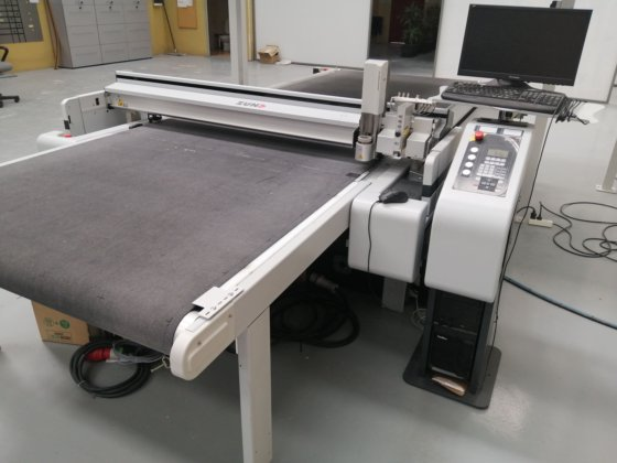 2017 Zund G3 M2500 Digital Cutting Table